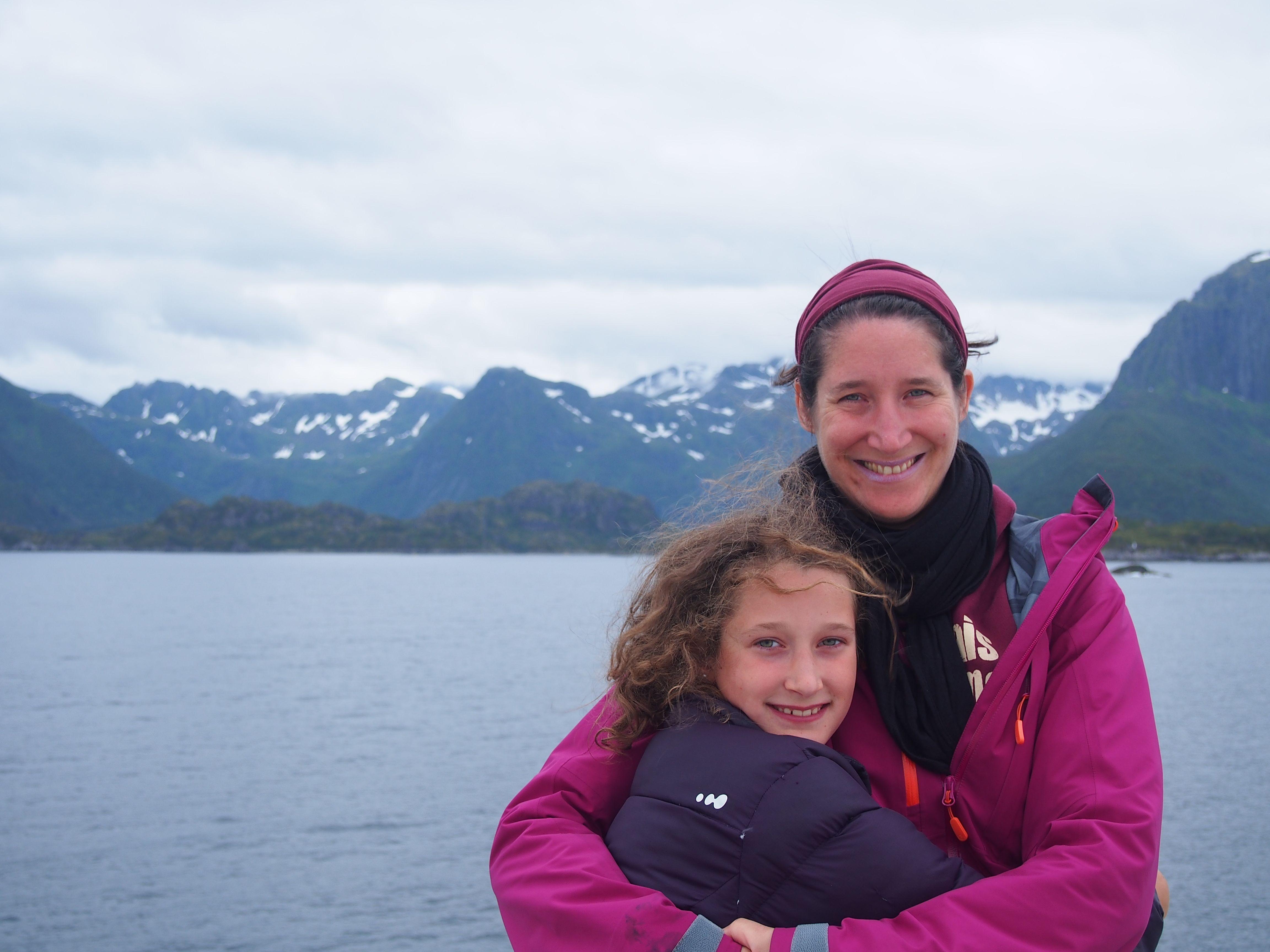 Marianne et Annouk en Nrovège durant notre No Mad World Tour
